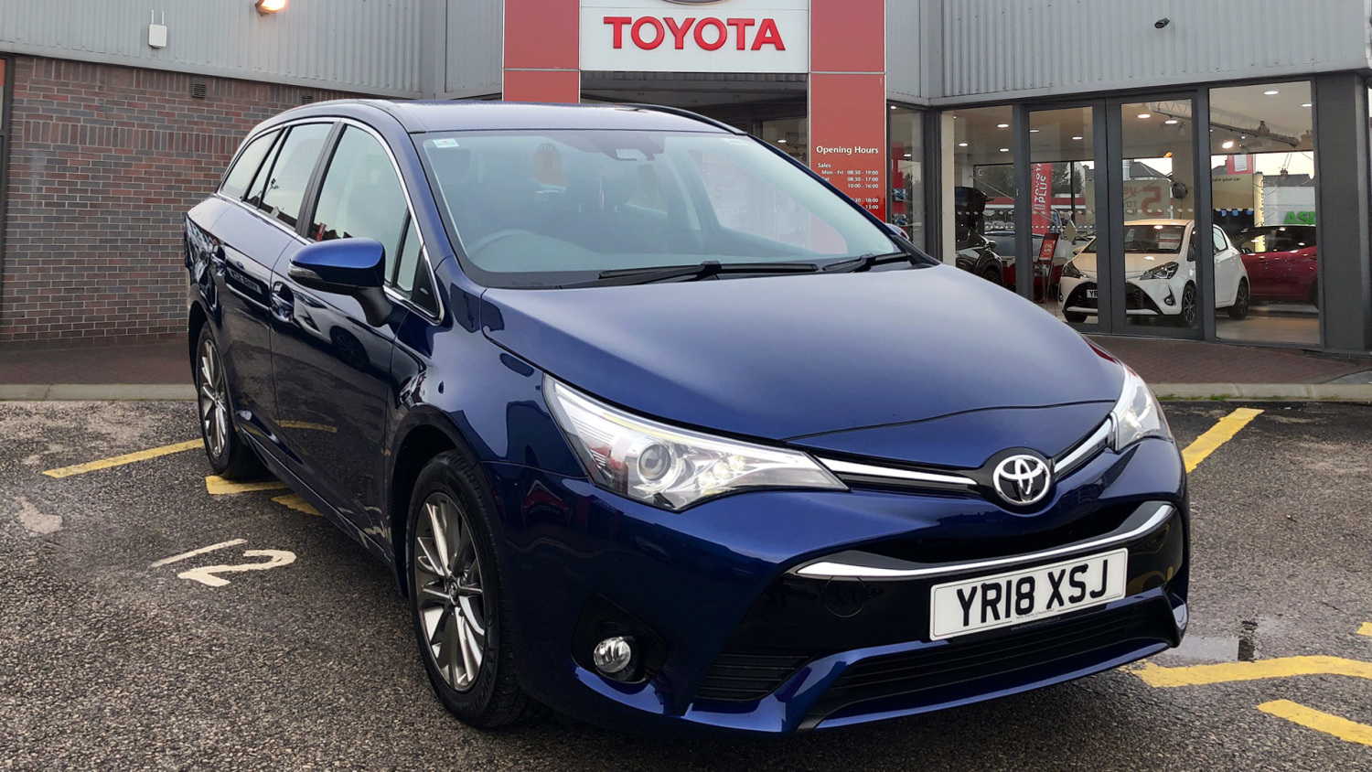used toyota avensis 1 6d business edition 5dr diesel. Black Bedroom Furniture Sets. Home Design Ideas